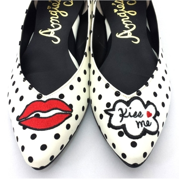 kiss set